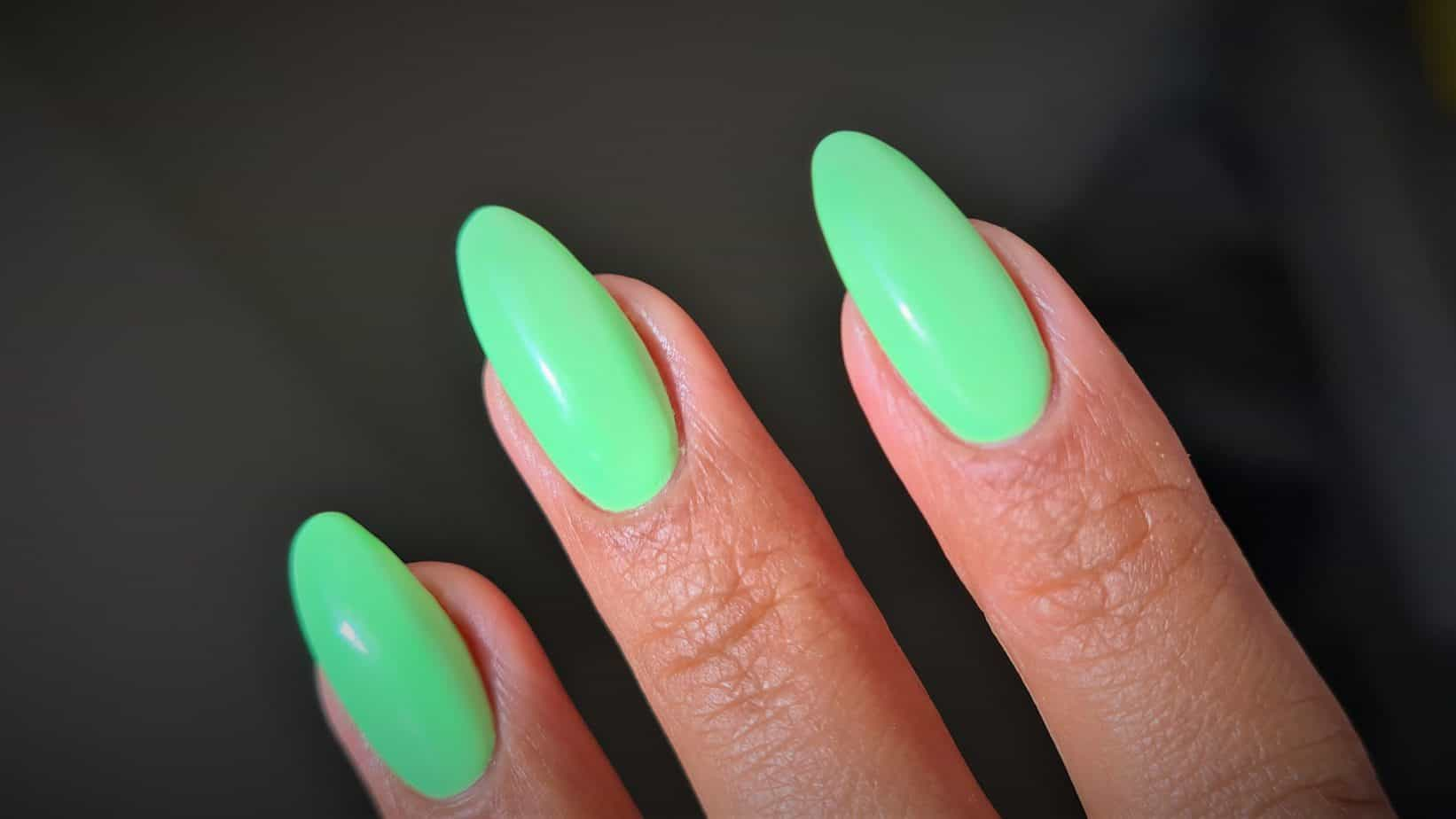 Perfect gel polish application technique