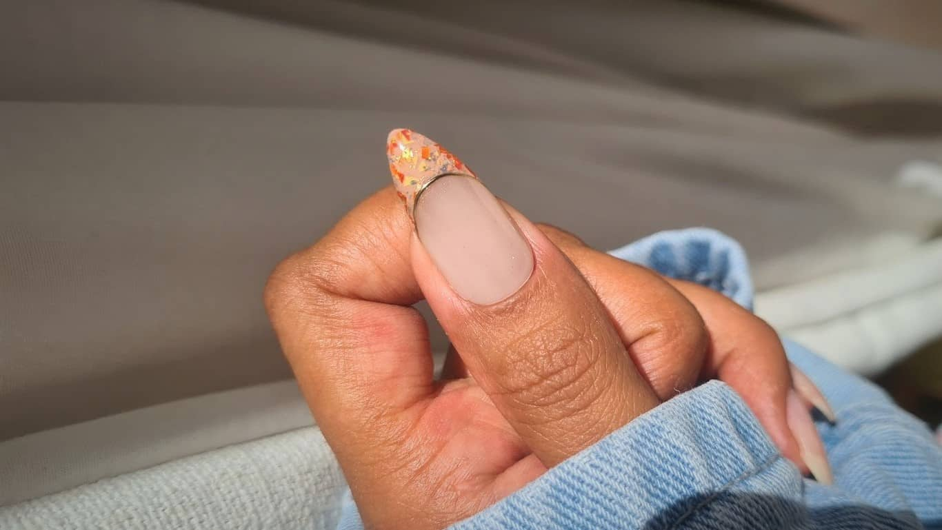 How to create a terrazzo French manicure