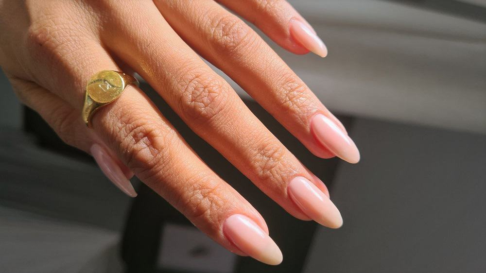How I repair nails with a super low split